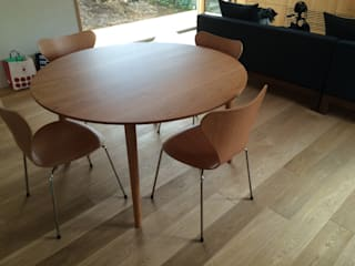 table & desk: 浅村家具製作所が手掛けたスカンジナビアです。,北欧