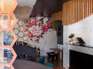 Openbar Bar & Club moderni di DressHome di Maria Incampo Moderno