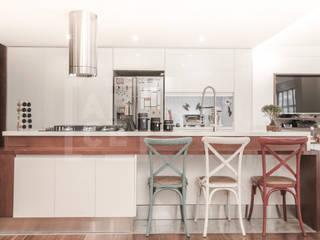 Moderne Küchen von ARCE S.A.S Modern