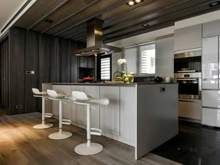 Cocinas de estilo  por KD Panels,