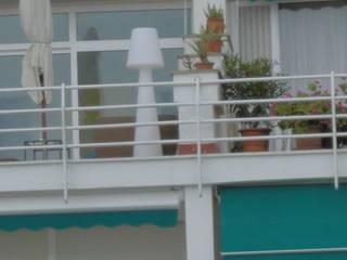 Lola de NewGarden en playa Alcudía (Mallorca):  de estilo  de iluminika