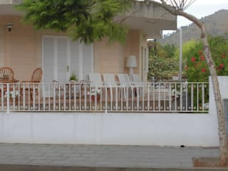 Lola de NewGarden en Villa en Muro (Mallorca):  de estilo  de iluminika