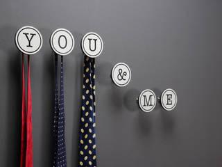 Bedroom by Creativando Srl - vendita on line oggetti design e complementi d'arredo, Minimalist
