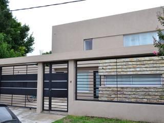 Frente Casas modernas: Ideas, imágenes y decoración de epb arquitectura Moderno