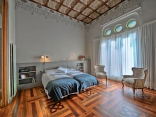 Classic style bedroom by APRIS GESTIÓ TÈNICA DE SERVEIS, SL Classic