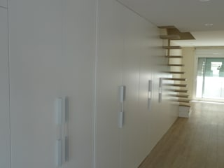 Modern Walls and Floors by APRIS GESTIÓ TÈNICA DE SERVEIS, SL Modern