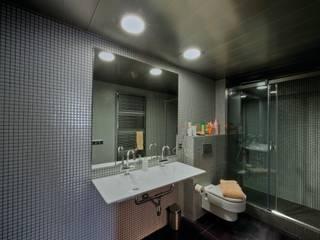 Classic style bathroom by APRIS GESTIÓ TÈNICA DE SERVEIS, SL Classic