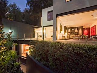 Terrace by Lopez Duplan Arquitectos, Modern