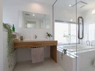 環境建築計画 Modern bathroom Glass White