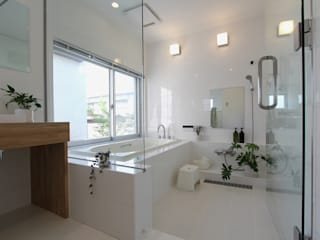 環境建築計画 Modern bathroom Tiles White