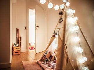 Nursery/kid's room by ŻANETA STRAŻYNSKA architektura wnętrz