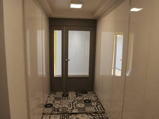 성주동 프리빌리지2차: 디자인세븐의  복도 & 현관