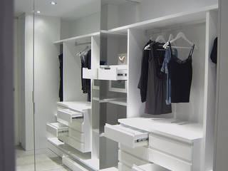 Vestidor Vestidores de estilo moderno de AG arquitectura Gorris Moderno