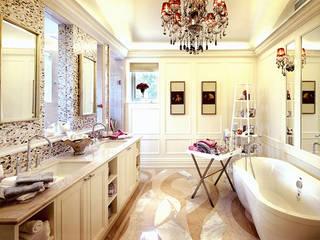 Residential Bathroom in Shenzhen, China ShellShock Designs Salle de bain asiatique Tuiles Multicolore