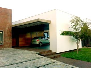 Projetos:   por Samuel Biron Arquitetura,