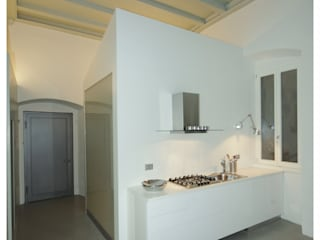 Minimalist kitchen by masetto snc Minimalist