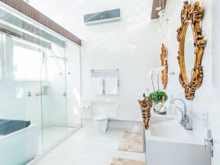 Passarela : Banheiros  por JJDesign Arquitetura