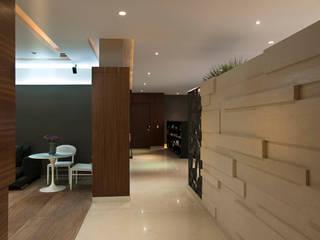 Pasillos, vestíbulos y escaleras modernos de ARCO Arquitectura Contemporánea Moderno