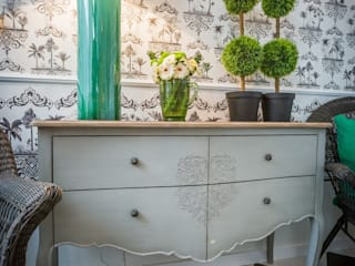 Escolha Viva, Lda Living roomTV stands & cabinets