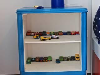 DORMITORIO HIJO 4: Dormitorios infantiles de estilo  por HOME UP