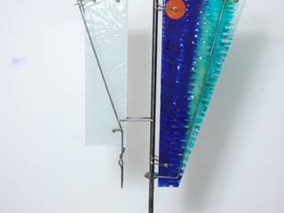 Escultura ''Poder en Equilibrio'':  de estilo  por Indigo Glass Art