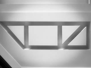 Casa brasiello Pareti & Pavimenti in stile moderno di DAA - Daniele Auletta Architetto Moderno