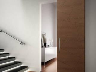 Realizzazioni Pasillos, vestíbulos y escaleras modernos de Romagnoli Porte Moderno