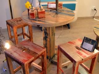 Table haute ronde / tabourets par Paul H - Artéfacts Moderne