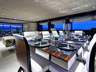 Yates y jets de estilo moderno por Luca Dini Design
