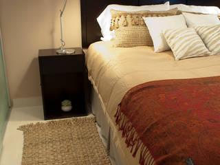 Camera da letto eclettica di Diseñadora Lucia Casanova Eclettico