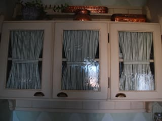 Ghirigori Lab di Arianna Colombo КухняШафи і полиці