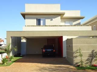 Modern home by Jorge Guizelini Arquitetura Modern