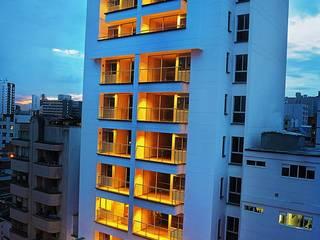 Proyectos: Casas de estilo  por Medina Arquitectos, Moderno
