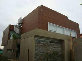Casa C3 Casas modernas: Ideas, imágenes y decoración de Conformar S.R.L. Moderno