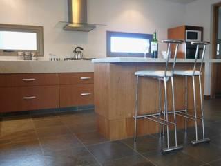Baños y Cocinas Cocinas modernas: Ideas, imágenes y decoración de Tondo Arquitectura Moderno