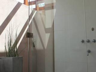 Baños y Cocinas Baños modernos de Tondo Arquitectura Moderno