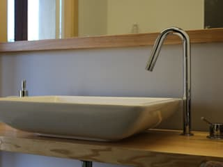 Ristrutturazione loft Contesini Studio & Bottega Bagno in stile scandinavo Legno massello Effetto legno
