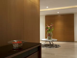 Modern corridor, hallway & stairs by ARCO Arquitectura Contemporánea Modern