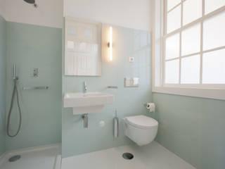 Baños modernos de aaph, arquitectos lda. Moderno