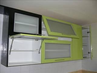 Cocinas: Cocinas de estilo  por Exdema Antares C.A