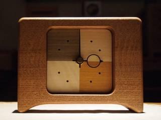 文字盤:Aタイプ: 木の工房mono moman(モノモマン)が手掛けたです。