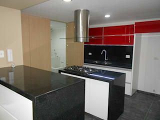 REMODELACION APTO 101 CR TORRES DEL PRADO : Cocinas de estilo moderno por ARQUITECTONI-K Diseño + Construcción SAS