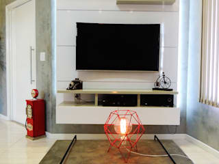 Alkaa Arquitetos Associados ห้องนั่งเล่นชั้นวางทีวีและตู้วางทีวี