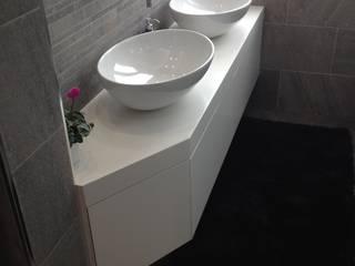 Ristrutturazione di un bagno: Bagno in stile  di Architetto Termografo  Massimiliano Aguilera
