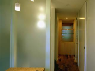 風と光がぬける多目的スペース: ティー・ケー・ワークショップ一級建築士事務所が手掛けた和室です。