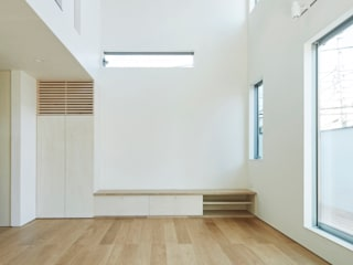 Modern living room by エトウゴウ建築設計室 Modern