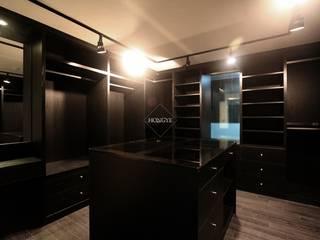 블랙&화이트의 모던한 39py 아파트인테리어 모던스타일 드레싱 룸 by 홍예디자인 모던