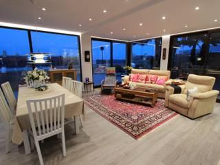 Reforma de vivienda con etiqueta de eficiencia energética A (Gran Alacant, Santa Pola) Novodeco Salones de estilo escandinavo