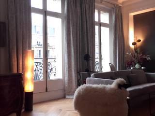 Appartement Parisien par Emilie Dolliou, Tapissière-Décoratrice Moderne