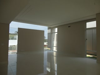 Modern dining room by Zani.arquitetura Modern